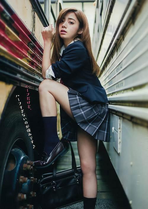 池田エライザ巨乳グラビア画像b03