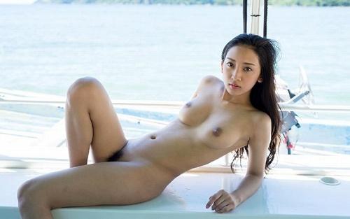 辻本杏美乳おっぱい画像a17