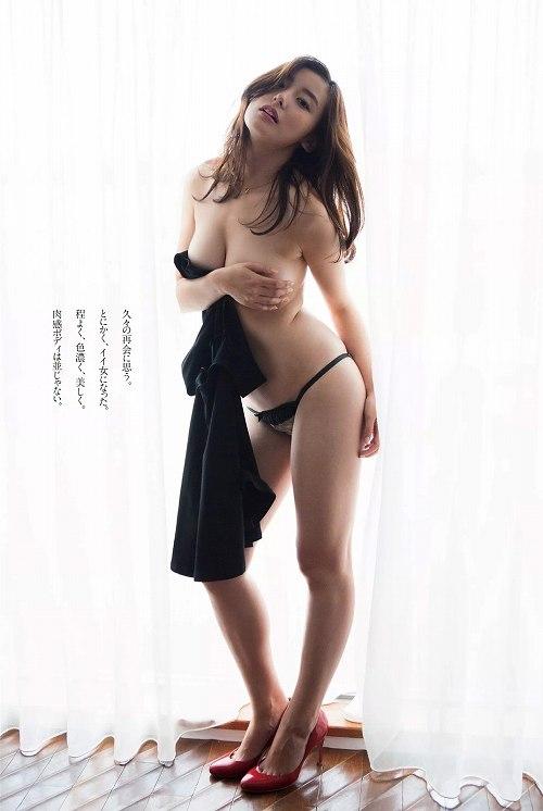 時田愛梨手ぶらおっぱい画像