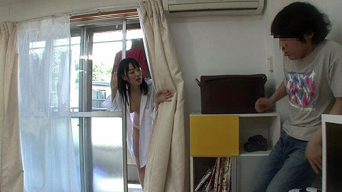 ベランダ全裸女性画像b02