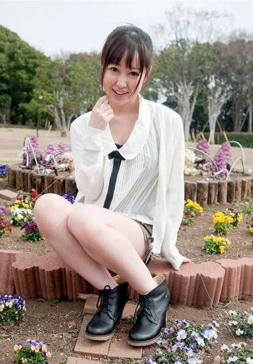篠田ゆう巨乳輪おっぱい画像2a02