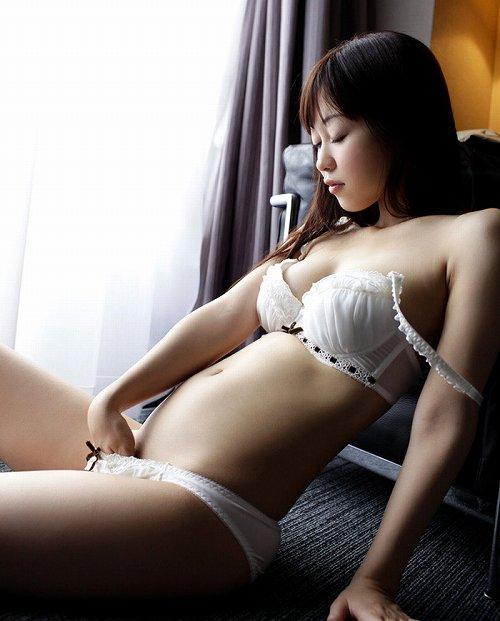 篠田ゆう巨乳輪おっぱい画像3a08