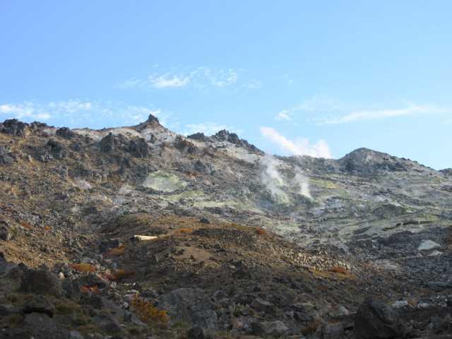 IMG_0118 硫黄山南面の噴煙
