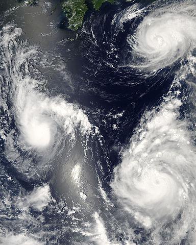 384px-Pacific_Typhoons.jpg