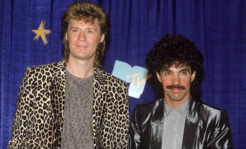hall-and-oates_2015101822313584b.png