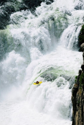 500 03 White water kayaking in Chile