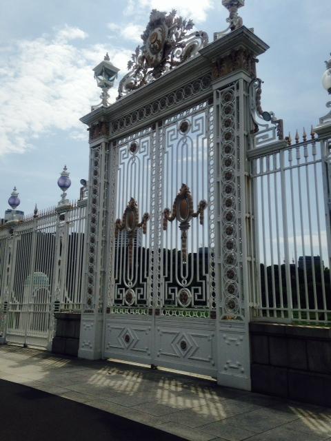 迎賓館の門