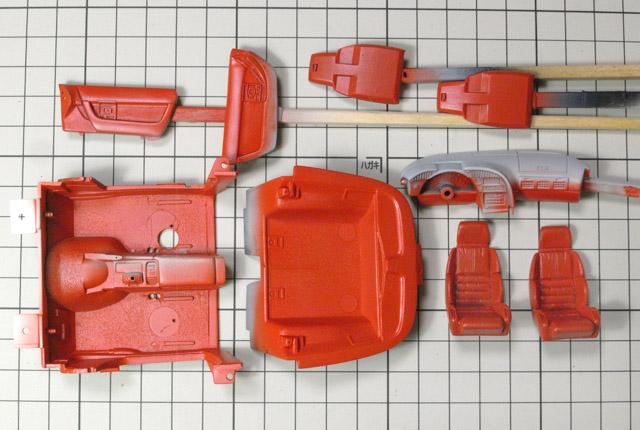 4974内装に赤塗装 640×430