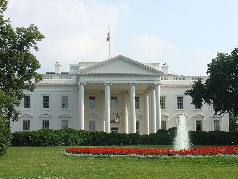800px-Whitehousetour_cropped.jpg