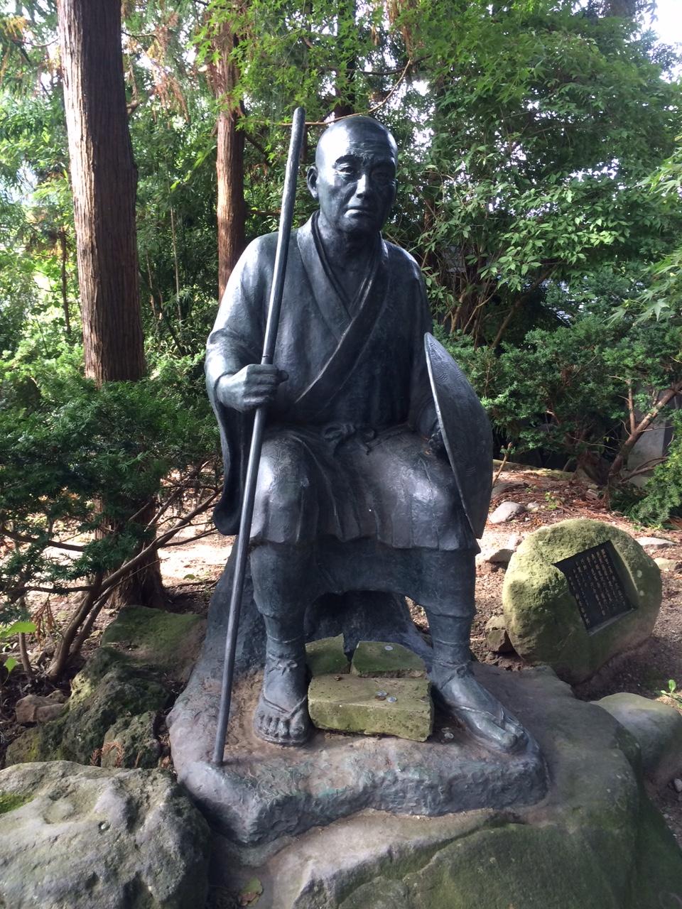 5-1 山寺の曾良像