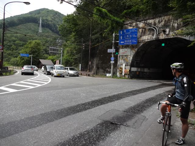 前川渡トンネル前