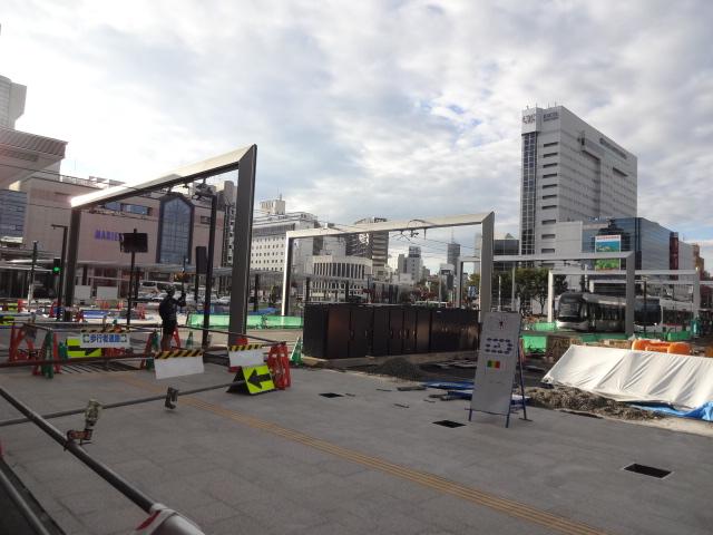 富山駅前工事中