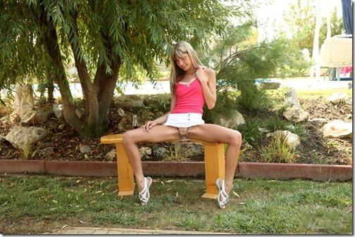 【世界の快道でイク!】米で人気のロシア生まれのロリカワポルノスター、Gina Gersonのエロ画像【55枚】14