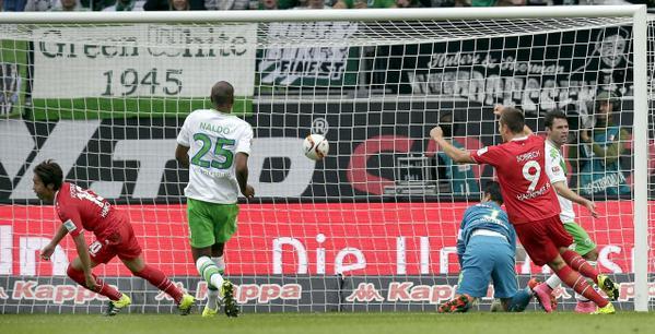Wolfsburg 1-1 Hannover (Bas Dost - Hiroshi Kiyotake