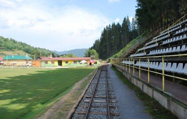 estadio_trem_arquibancada_TJ_Tatran_Cierny_Balog1.jpg