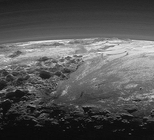 大迫力の冥王星画像