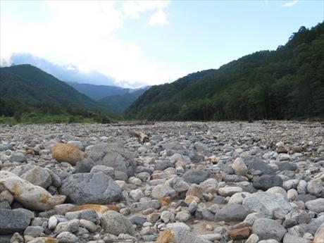 150822-172439-水がない・・・鹿島川_R