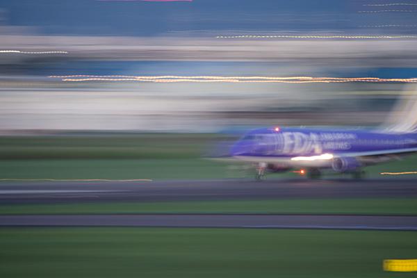 名古屋空港2-10