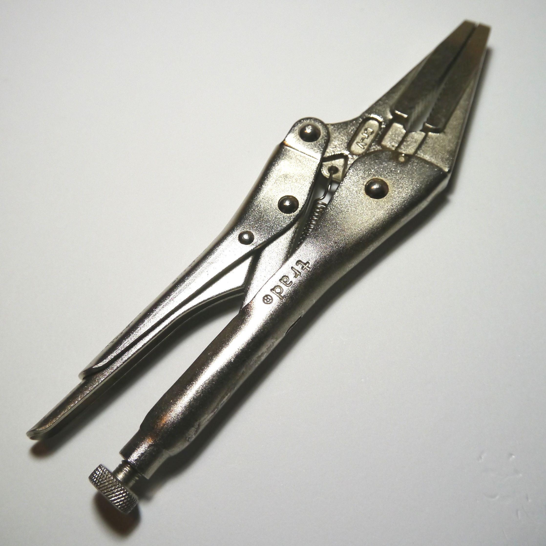 工具 A4