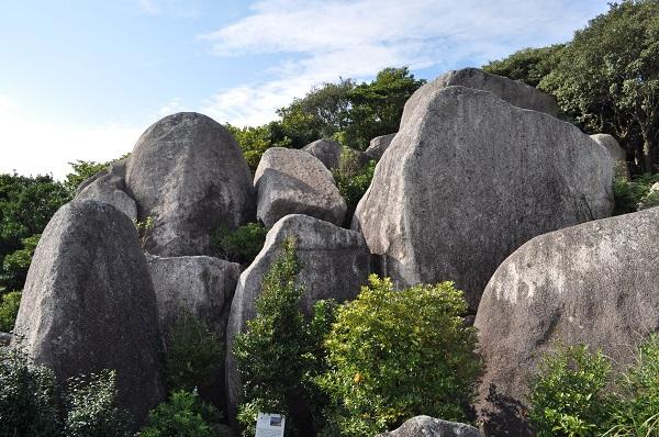千畳敷岩から唐人岩