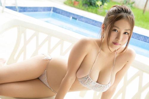 西田麻衣の柔らかすぎ垂れおっぱい4