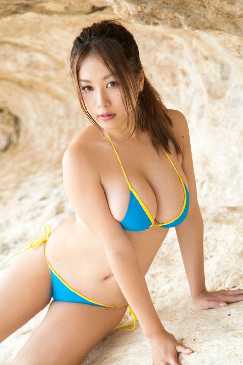 西田麻衣の柔らかすぎ垂れおっぱい25