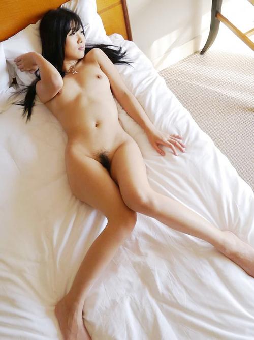 真面目そうな正統派美女の秘めたる性欲に勃起止まらないエロ画像