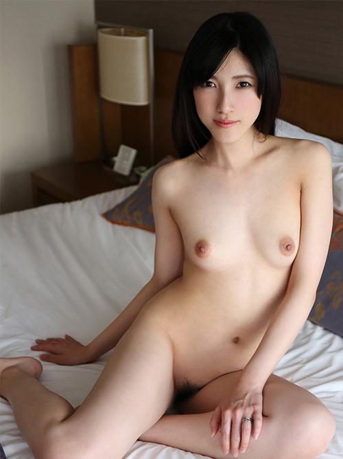 飯岡かなこ 綺麗なお姉さんを拘束してのハメ撮りセックス画像