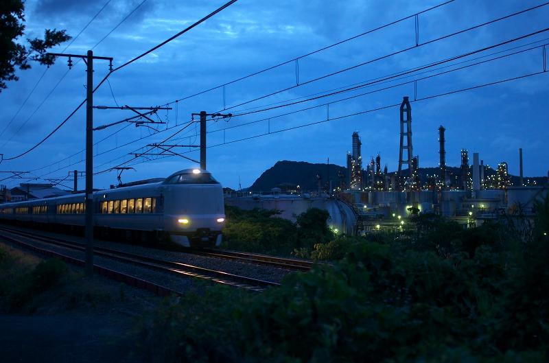 東燃ゼネラル石油和歌山工場 列車 電車 夜景