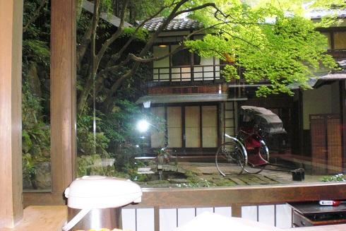 音羽山荘 窓の外