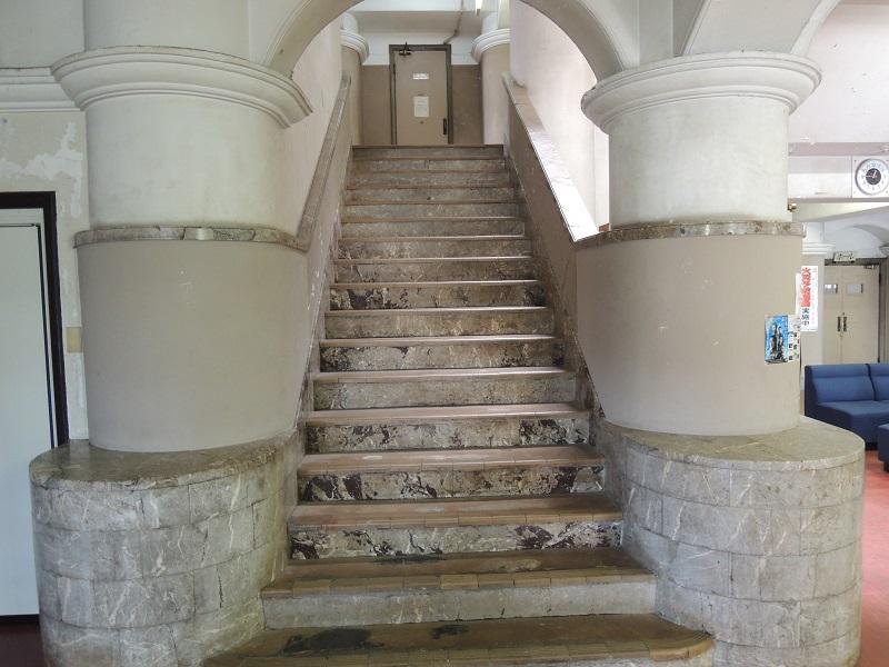 御影公会堂 内部