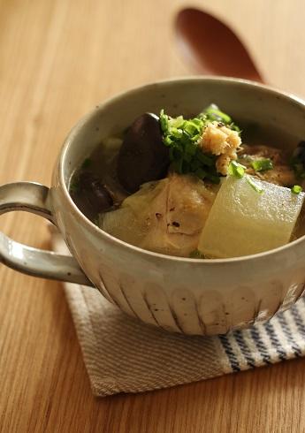 鶏ブツと冬瓜のスープ