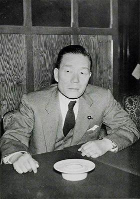 椎名悦三郎