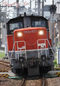 5282レ(=DD51-825単機)