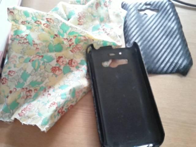 携帯ケースの布はりかえ1