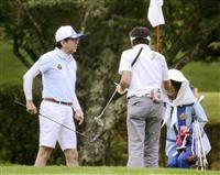 ①ゴルフを楽しむ平成ウンコリアンキチガイゴキブリ安倍晋三=20日午前、山梨県山中湖村