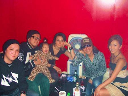 六本木のとあるディスコでチーム佐賀連合と川村カオリと武内亨と酒井法子(2008年8月28日)