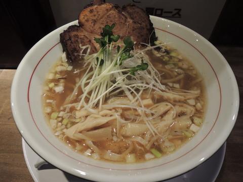 煮干し中華そば(太麺、肩ロース)(750円)