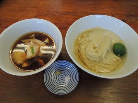 つけ麺(900円)