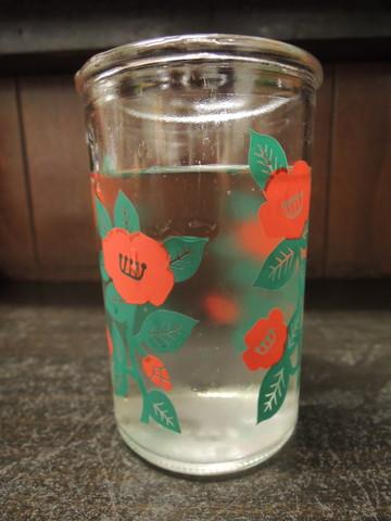 水のコップ