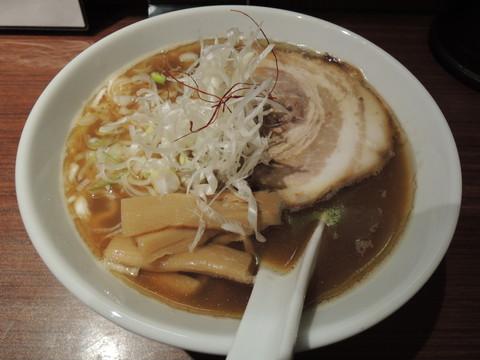 醤油ラーメン(チャーシュー・メンマ入り)(780円)