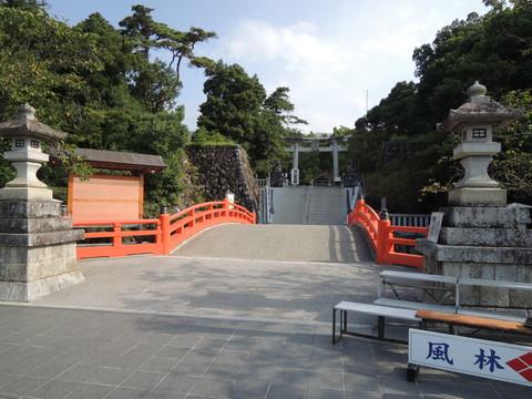 武田神社神橋