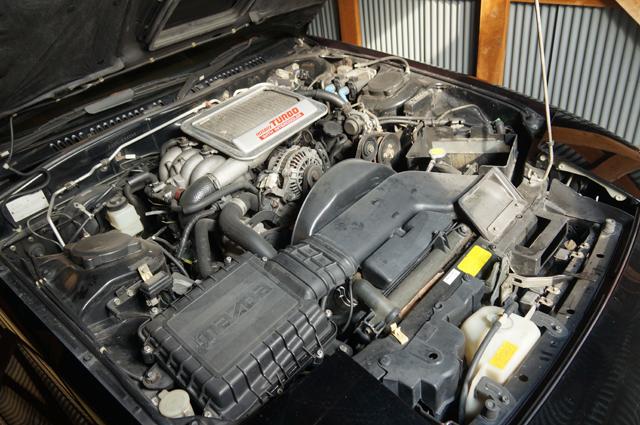 マツダ FC3S サバンナRX-7 エンジンルーム