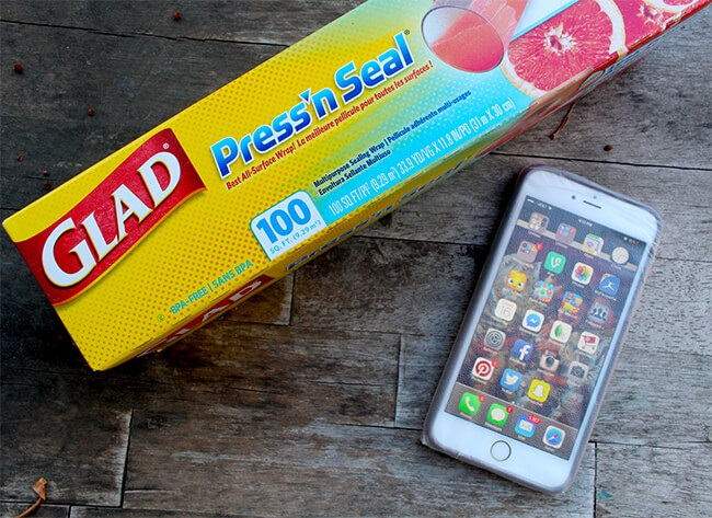 Make-Your-Phone-Water-Resistant-with-Glad-Pressn-Seal.jpg