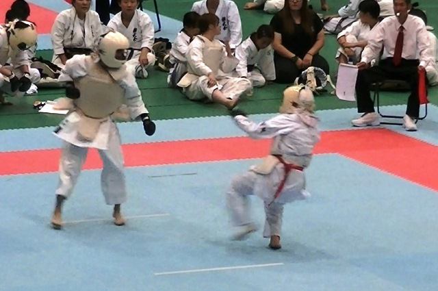 東日本大震災復興祈念全日本防具付空手道選手権大会女子組手