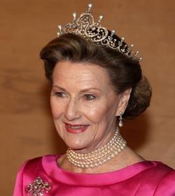 queen-sonja-crown.jpg