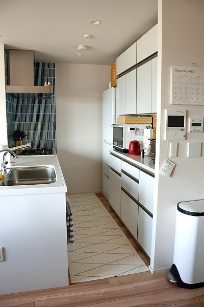 誰そ彼 白い冷蔵庫で白いキッチン完成か