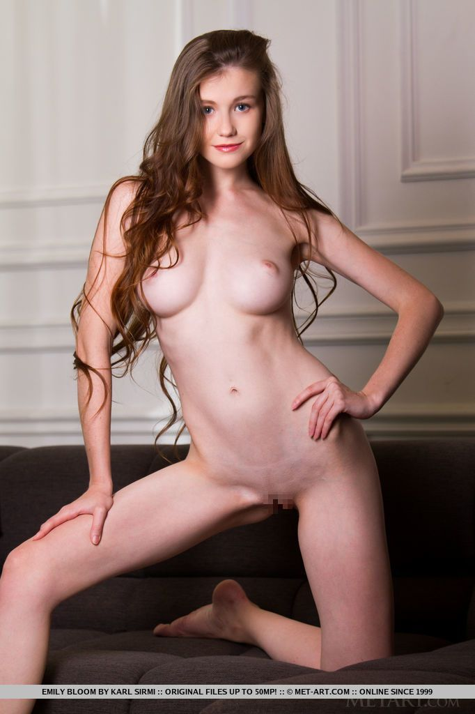 Emily Bloom - JENERI 03