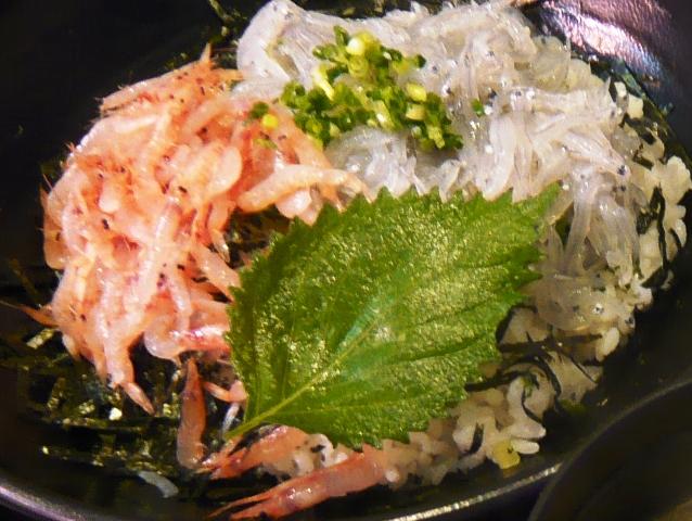 魚々楽:生しらす・生桜えびミックス丼2