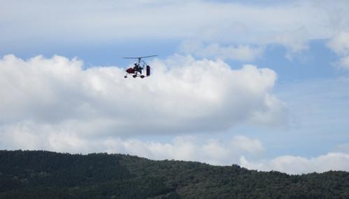 青空とジャイロコプター